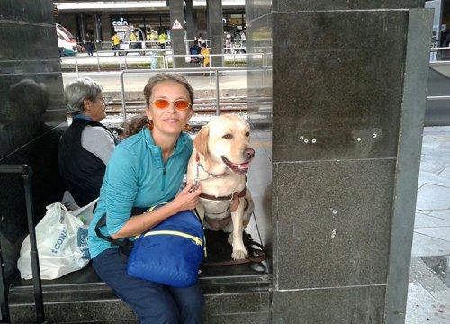 Anna e Titiana il suo cane guida