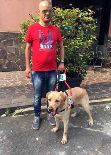 Vincenzo e Tacos il suo cane guida