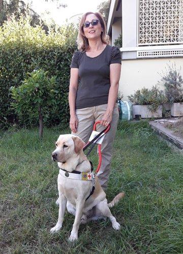 Mariangela e Orso il suo cane guida.