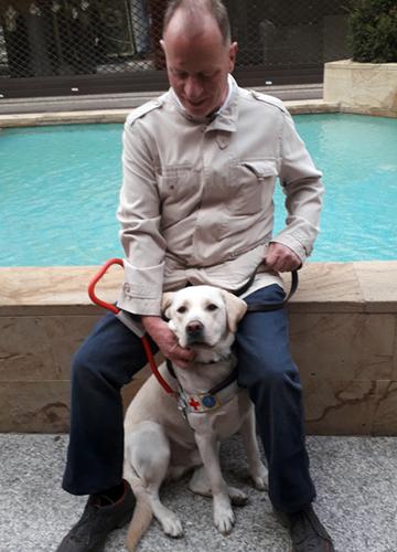 Giuliano e Xamar il suo cane guida