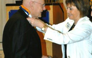 La premiazione del Presidente del Servizio Cani Guida di Limbiate Giovanni Fossati